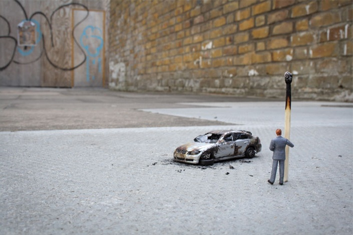 Slinkachu_little_people_street_art_6